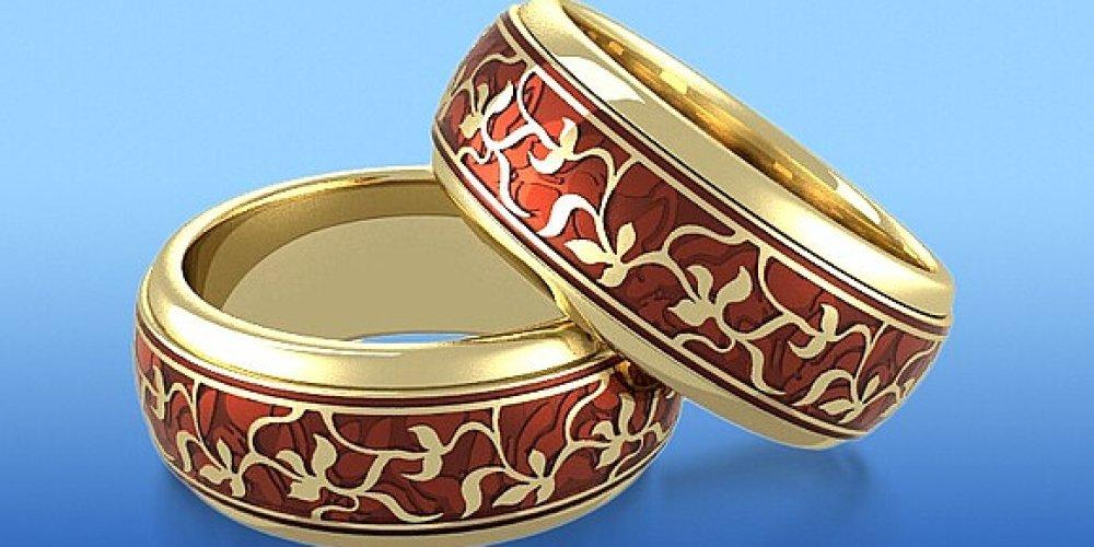 Золотые кольца с эмалью – слияние старины с современностью
