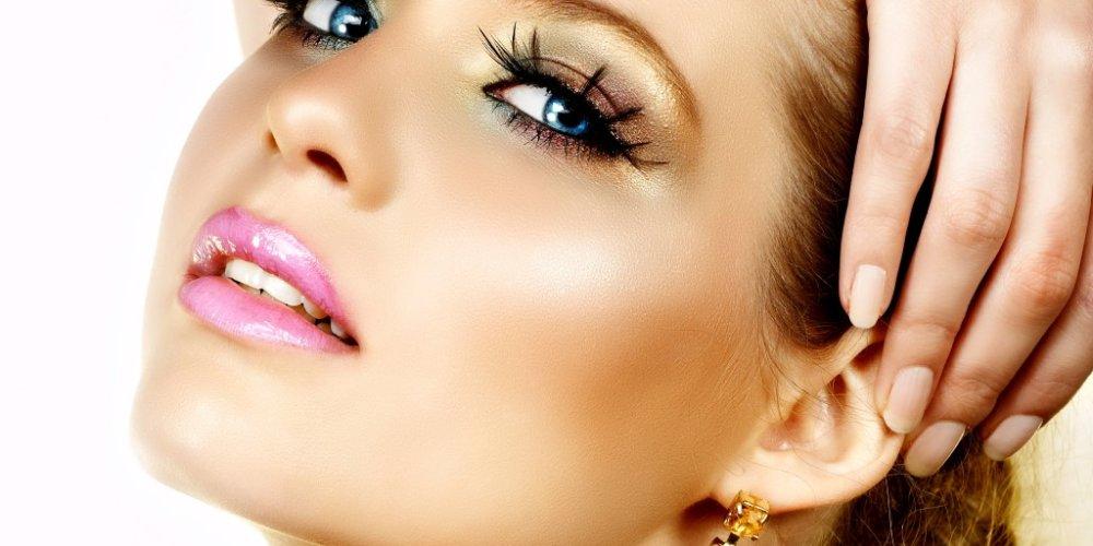 Хороший макияж способен скрыть недостатки