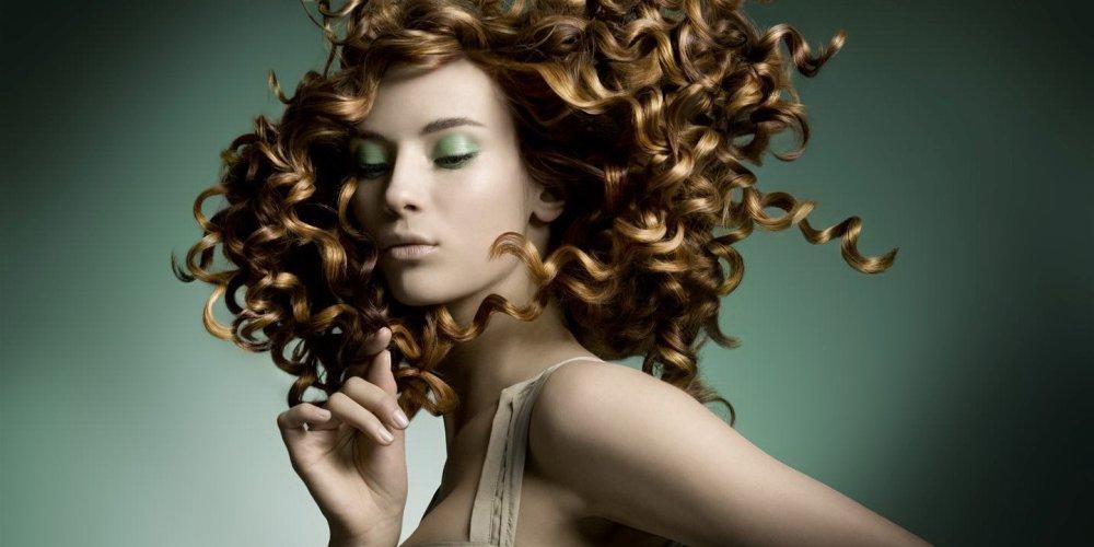 Как правильно ухаживать за волосами в летний период