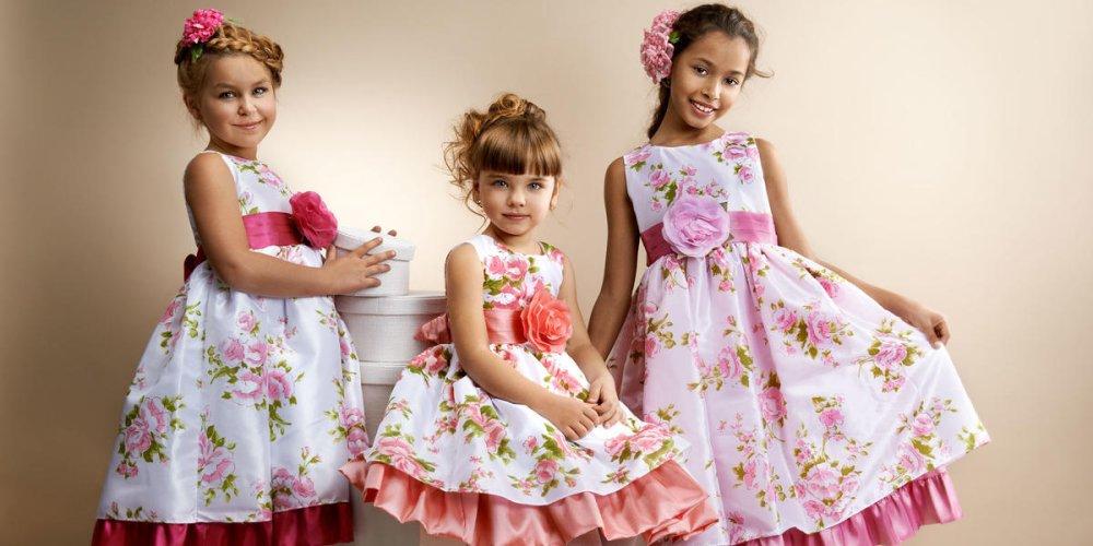 Тонкости выбора платья для девочки