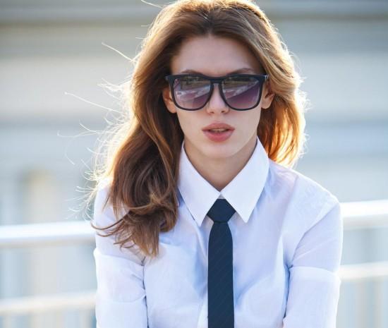 Стильно и необычно — примеряем женский галстук3