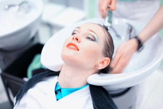 Как часто женщина должна посещать салоны красоты?