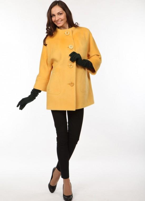 Как носить пальто с рукавом