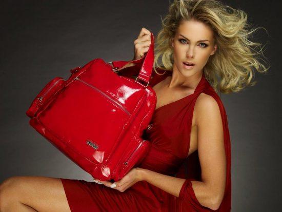Правильный выбор лакированной сумки для женщин2